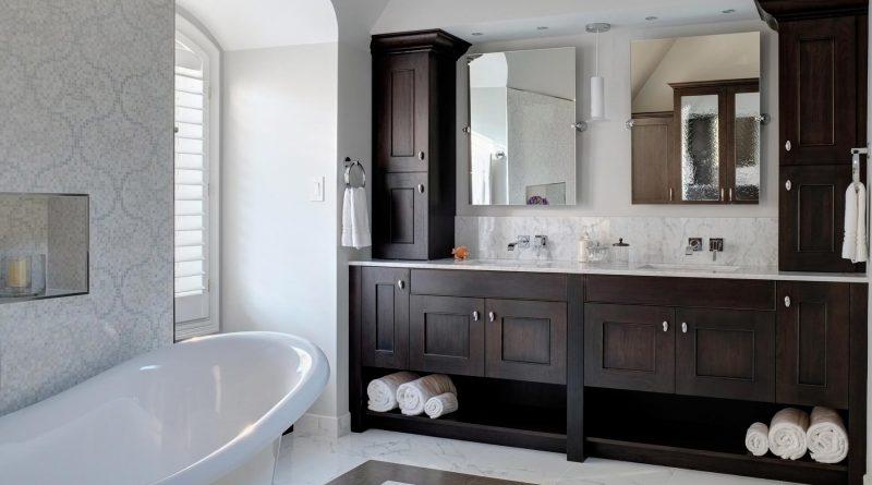 1395336284-drury-designs-elegant-bath01
